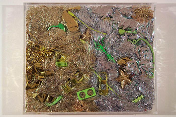 Title: Silver threads and golden needles ( Fils d'argent et aiguilles d'or ) - Recycled plastic and found object sculptures by Diana Boulay - made of discarded plastic objects - Colorful environmental artwork